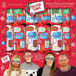 Tom Smith Festive Photo Fun Christmas Crackers x6