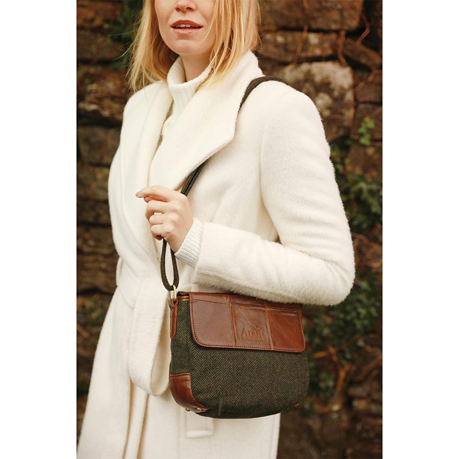 1a2c6c4e649c Aran Woollen Mills Shoulder Bag Green Leather and Tweed